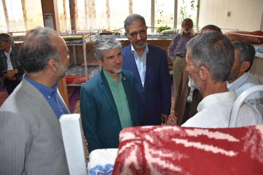 بازدید دکتر رضازاده از شلتر «نور امید» و مرکز توانمندسازی موسسه «زندگی دوباره» مشهد
