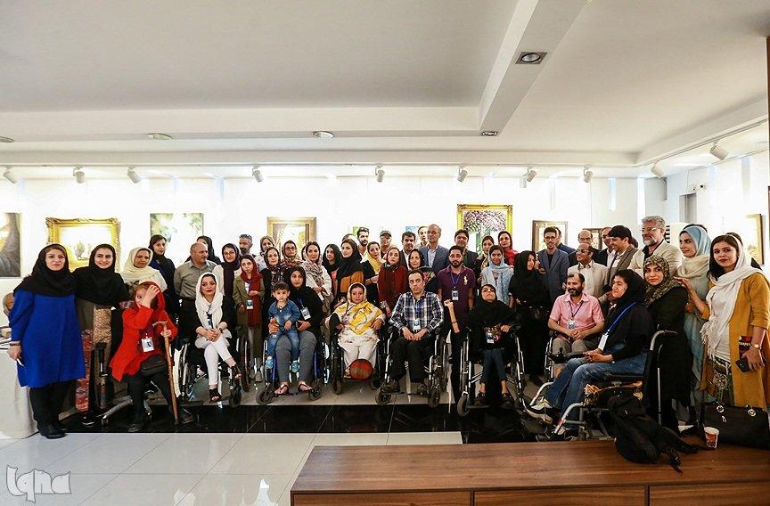 گزارش تصویری/ افتتاحیه نمایشگاه «هنر همای» آثار هنرمندان توانیاب کشور