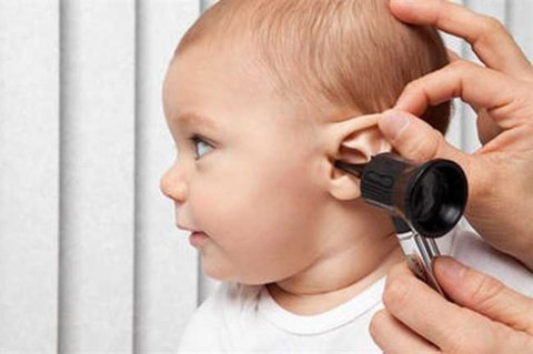 برای اطمینان از سلامت شنوایی نوزادم به کجا مراجعه کنم؟