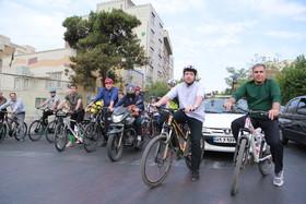 همرکابی دکتر قبادی دانا و جمعی از معلولان همراه باشهردار تهران