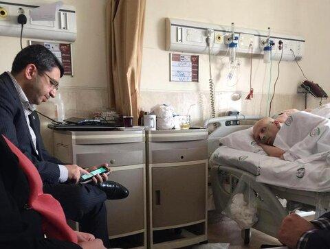همزمان با گرامیداشت روز خبرنگار، رئیس سازمان بهزیستی کشور از مهدی شادمانی روزنامه نگار مبتلا به سرطان عیادت کرد