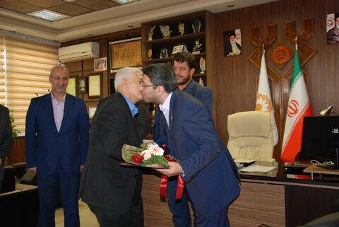 تقدیر قدر دانی از کارمندان   ازاده  توسط رییس  سازمان بهزیستی کشور