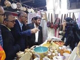 استان سمنان ا  بازدید استاندار سمنان از غرفه محصولات مددجویان در چهارمین نمایشگاه