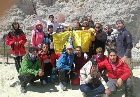 برفراز بام ایران/ گزارشی از صعود کوهنوردان نابینا به قله ۵۶۷۱متری دماوند