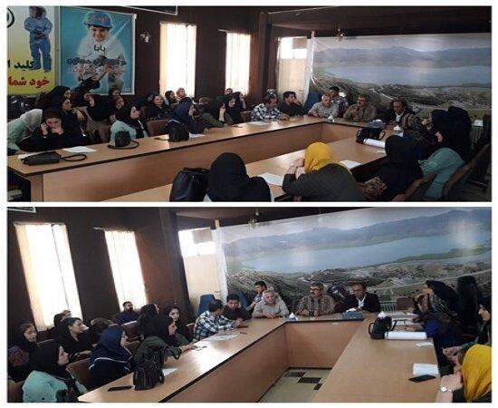 نشست اداره تعاون کار ورفاه اجتماعی با مراکز تحت پوشش بهزیستی مریـوان