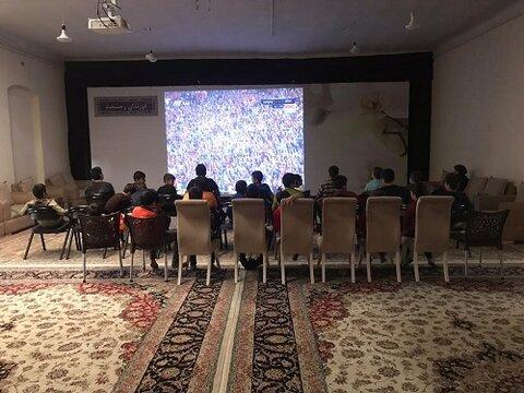 گزارش تصویری شور و شوق فرزندان بهزیستی آذربایجان شرقی در حال تماشای مسابقه فوتبال استقلال و پرسپولیس