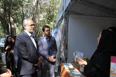 گزارش تصویری | بازدید آقای ارشدزاده مدیر کل بهزیستی استان از نمایشگاه تلنگر با موضوع پیشگیری از آسیب های اجتماعی در دانشگاه تبریز