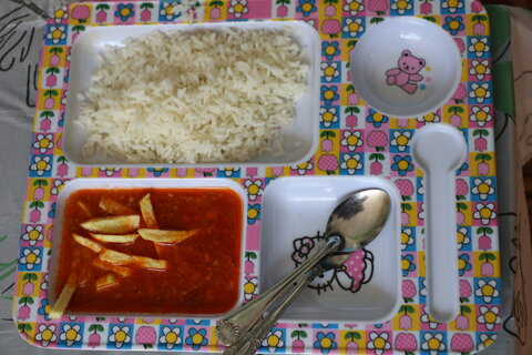 بهره مند شدن کودکان 141 مهد از طرح یک وعده غذای گرم