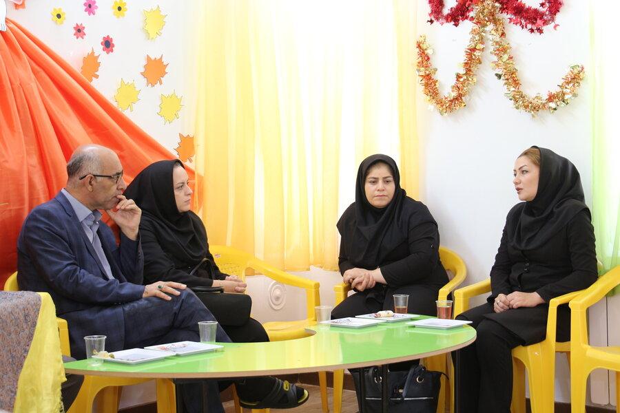 گزارش تصویری ا دیدار مدیرکل و معاون اجتماعی بهزیستی استان سمنان با کودکان در مهدهای کودک