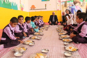 گزارش تصویری ا اجرای طرح یک وعده غذای گرم در روستا مهد