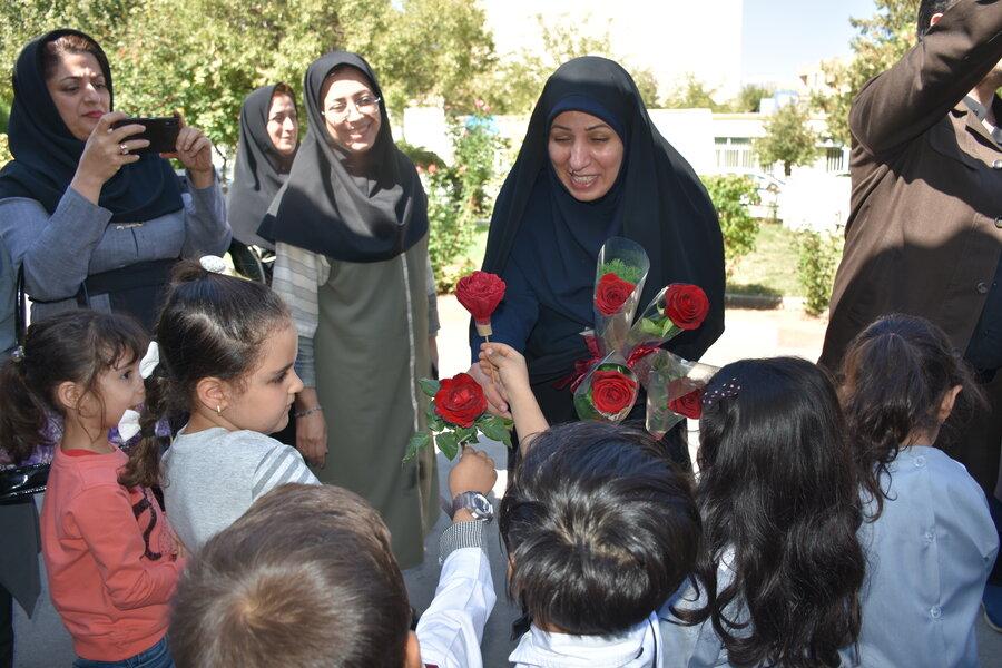 دیدار کودکان مهدهای کودک با مدیرکل بهزیستی استان کرمانشاه