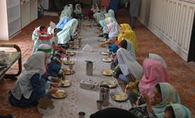 طرح یک وعده غذای گرم ویژه روستا مهدها و مناطق آسیب زا در سراسر استان آغاز شد