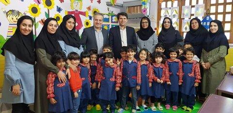 دیدار معاون سیاسی و امنیتی با کودکان مهدهای کودک شهری وحاشیه گرگان