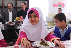 آغاز بکار طرح یک وعده غذای گرم در مهدهای کودک آذربایجان غربی/ تغذیه اهرمی موثر در بالندگی کودکان
