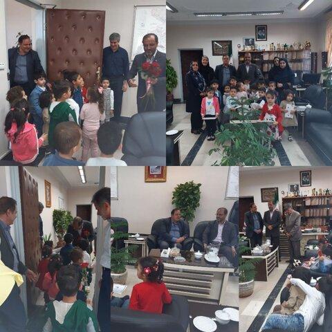 دیدارجمعی از کودکان مهدهای کودک تحت نظارت بهزیستی با فرماندار شهرستان ساوجبلاغ