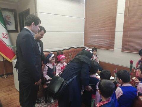 کودکان مهدهای کودک گرگان از اداره کل استاندارد دیدن کردند