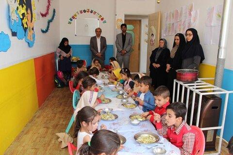 شهرضا| آغاز اجرای طرح غذای گرم در روستا مهدهای شهرستان