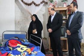 بازدید مدیر کل بهزیستی استان کرمان از منزل مددجویان تحت حمایت بهزیستی ارزوئیه