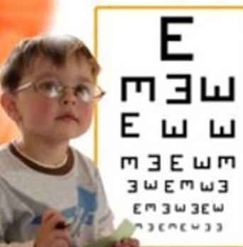 کنگان | اجرای برنامه غربالگری بینایی کودکان در کنگان