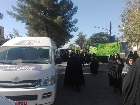 راهپیمایی  13 آبان روز ملی مبارزه با استکبار جهانی کارکنان ادارات بهزیستی شهرستان های استان کرمان