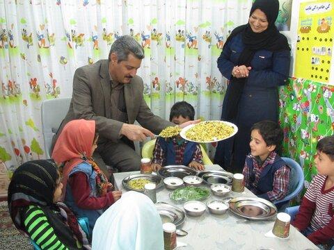 اردستان| آغاز طرح غذای گرم روستا مهدها