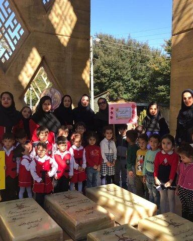 تجدید میثاق کارکنان و کودکان مهدهای کودک با آرمانهای شهدای گرانقدر دفاع مقدس