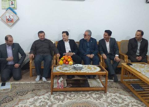 دیدار دکتر حسین نحوی نژاد با خانواده شهید عشوری، اولین شهید مدافع امنیت
