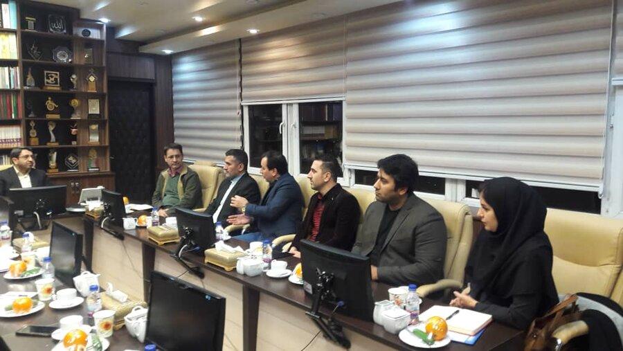 نشست اعضاء هیئت مدیره کانون مددکاران اجتماعی با دکتر قبادیدانا