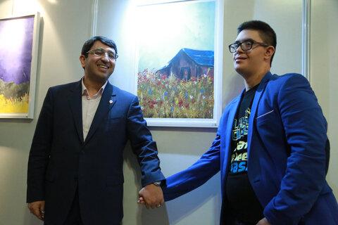 گزارش تصویری| آیین افتتاح و بازدید دکتر قبادی دانا از نخستین نمایشگاه نقاشی کشوری افراد دارای معلولیت
