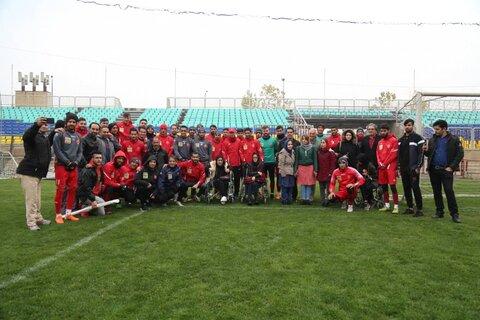 گزارش تصویری ا حضور افراد دارای معلولیت در تمرین تیم فوتبال باشگاه پرسپولیس به مناسبت روز جهانی معلولان