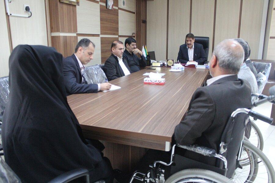 نشست صمیمانه مدیر کل بهزیستی خوزستان با  کارکنان دارای معلولیت