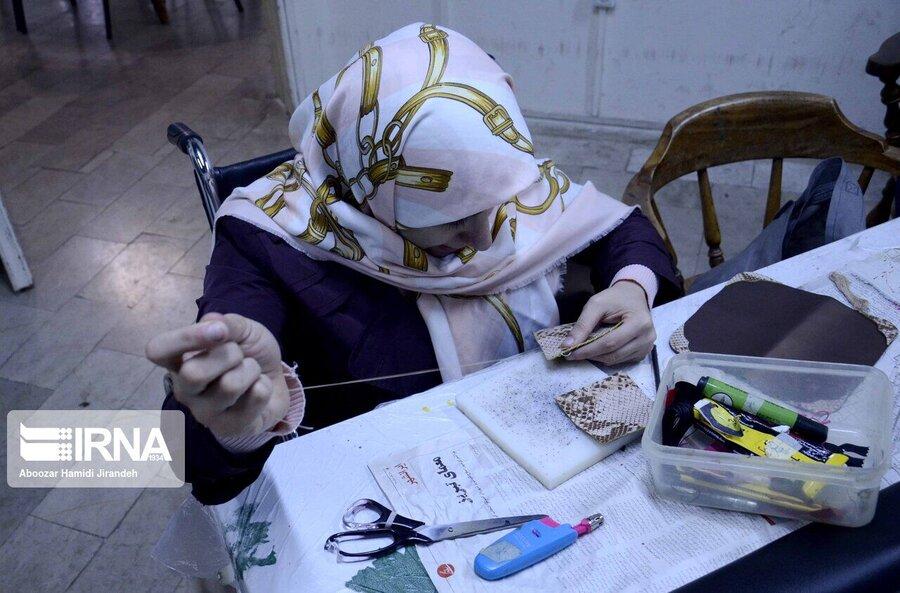 در رسانه/دستگاهها بهزیستی را در خدمترسانی به معلولان یاری کنند