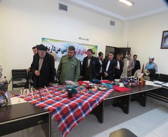 افتتاح نمایشگاه صنایع دستی معلولین در سروآباد