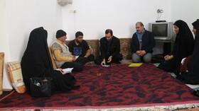 بازدید مدیر کل بهزیستی استان قم از منازل خانواده های دارای دو معلول