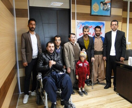 دیدار جمعی از نمایندگان جامعه معلولین با فرماندار شهرستان دیواندره
