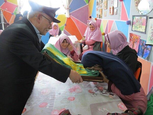 برخوار  گزارش تصویری  بازدید نمایندگی آستان قدس رضوی از مراکز توانبخشی و حرفه آموزی تحت نظارت اداره بهزیستی