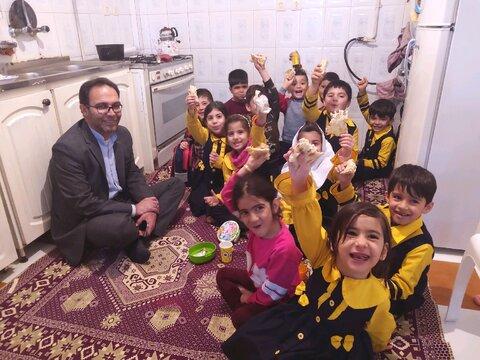 شهرستان همدان | تغذیه سالم و یکسان در مهد ها از ایجاد حسادت جلوگیری می کند