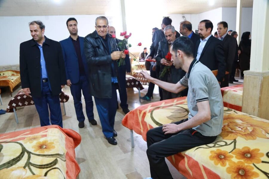 استاندار زنجان از مراکز اعصاب و روان بهزیستی بازدید کرد