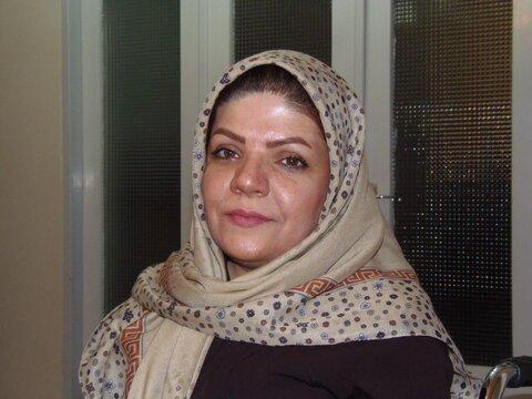 کاشان| سومین کتاب شعر شاعره توان خواه کاشانی روانه بازار نشر شد