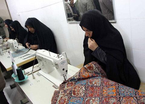 کارگاه خیاطی زنان سرپرست خانوار در دلگان افتتاح شد
