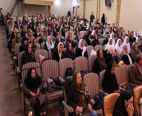 برگزاری اولین جشن بزرگ یلدای با تجربگان توسط بنیاد فرزانگان