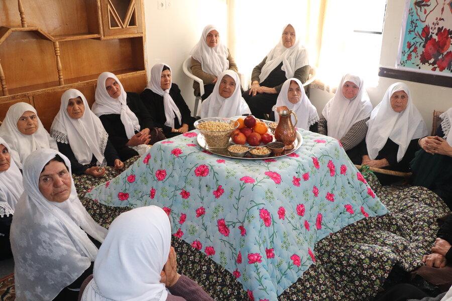 سالمندان شهرستان کیار یلدا را جشن گرفتند