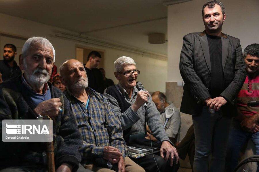 سخنگوی دولت و شهردار تهران در کنار سالمندان