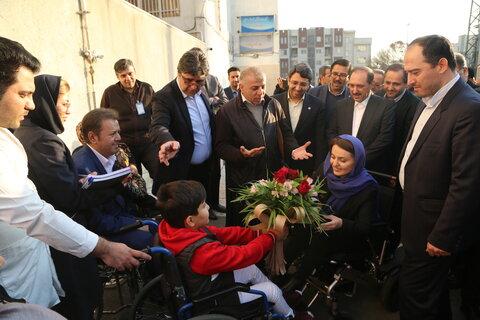گزارش تصویری|  وزیر کار و رفاه اجتماعی کشور ارمنستان از مرکز حمایت از معلولین ضایعات نخاعی ایران بازدید کرد