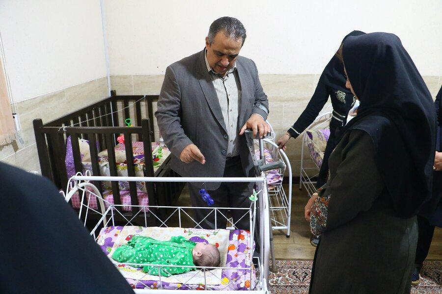 پرستاران خانه نوزادان بهزیستی یزد تجلیل شدند