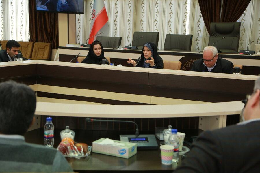 جلسه هم اندیشی چالش های درمان اعتیاد زنان