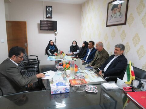 نشست هم اندیشی مدیر کل بهزیستی استان با اعضای شورای اسلامی شهر تنگستان برگزار شد
