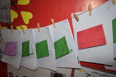 گرمسار ا برگزاری نمایشگاه دست سازه های کودکان مهد کودک
