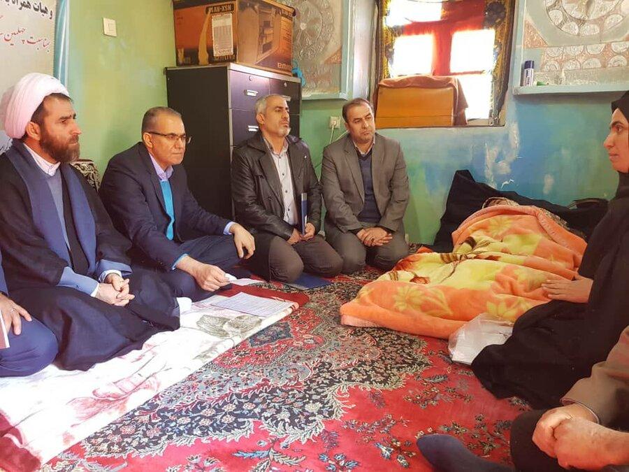 گزارش تصویری | بازدید استاندار زنجان و مدیر کل بهزیستی از منزل مددجوی تحت پوشش بهزیستی شهرستان طارم