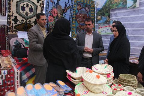 نمایشگاه صنایع دستی مددجویان